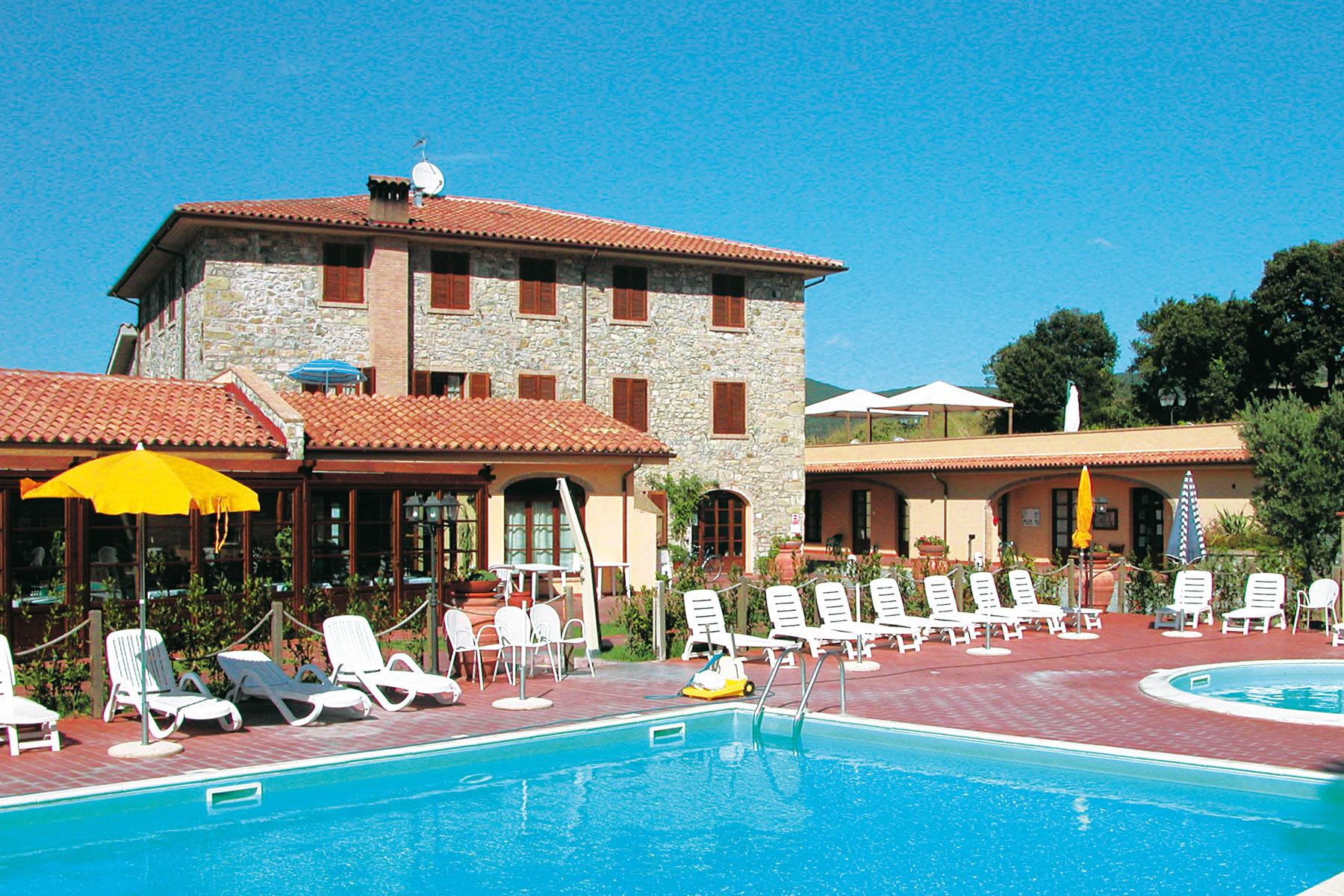 Hotel con piscina pomaia toscana hotel pieve di pomaia nexus hotels - Hotel con piscina toscana ...